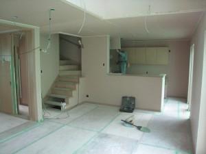 壁、天井の石膏ボードを貼った状態