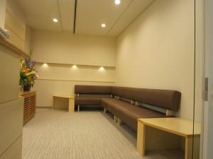 北山デンタル待合室①